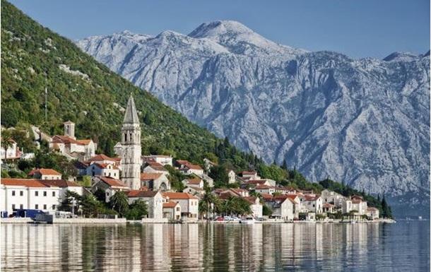 Туристов с голым торсом будут штрафовать в Черногории