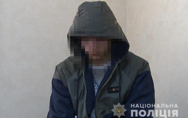 У Вінниці затримали хлопця, який колов жінок голками