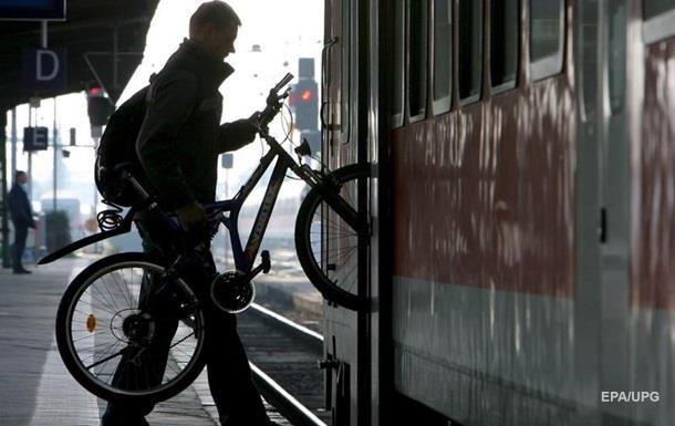 У швидкісних поїздах дозволили провозити велосипеди
