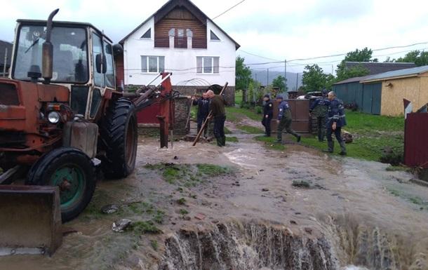 На Західній Україні підтопило дві тисячі будинків