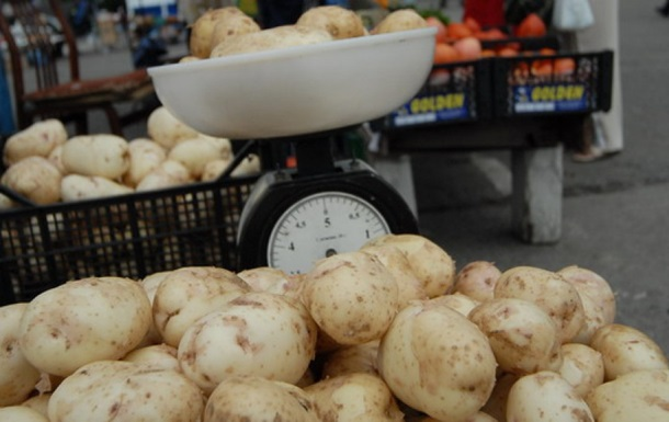 В Україні різко подешевшала молода картопля