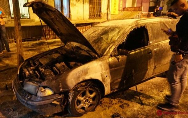 В Одесі активісту вчетверте підпалили автомобіль
