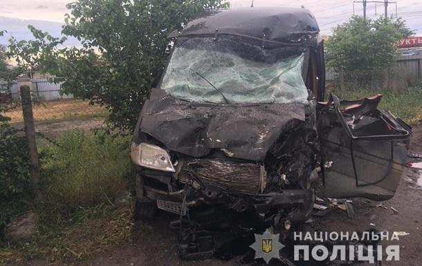 Під Одесою фура врізалася в мікроавтобус: четверо постраждалих