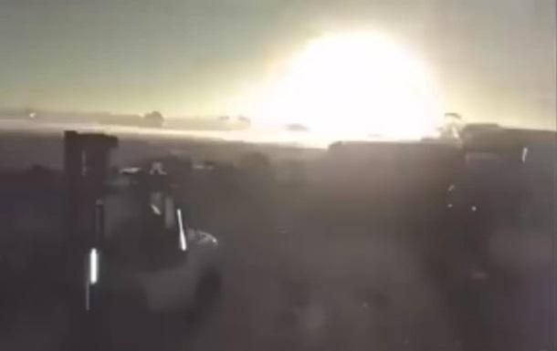 В Австралії помітили два великі метеорити