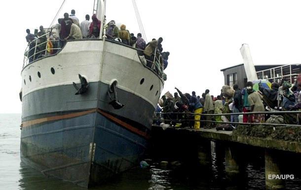 На озері в Конго затонуло судно, десятки загиблих