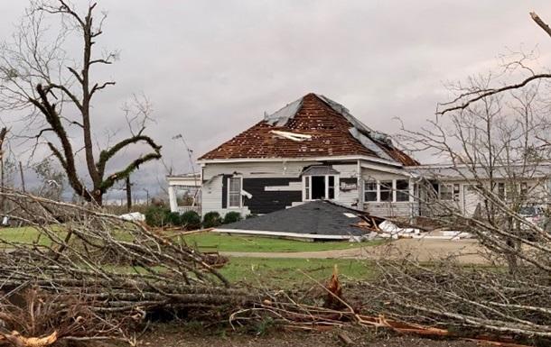 Жертвами торнадо в США стали дві людини