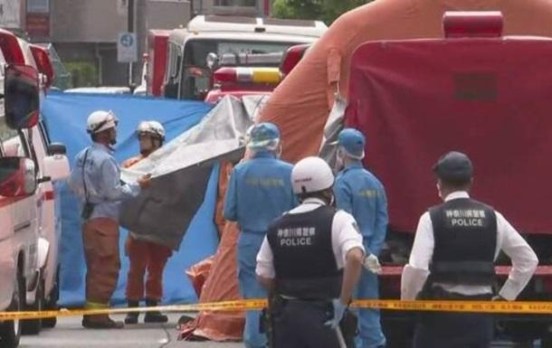 Інцидент у Японії: невідомий напав з ножем на відвідувачів парку