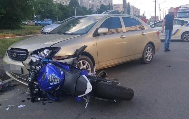 В Харькове байкер сбил насмерть пешехода