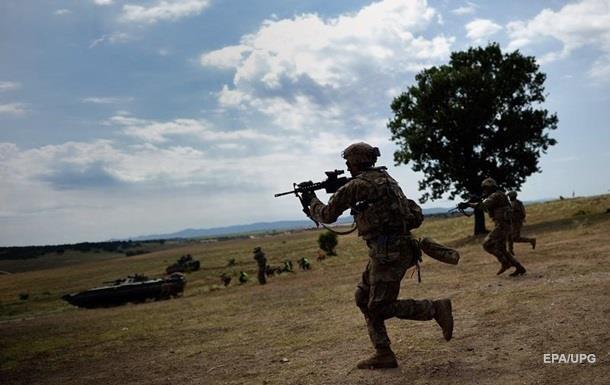 Сербія стягує війська до кордону з Косовим - ЗМІ