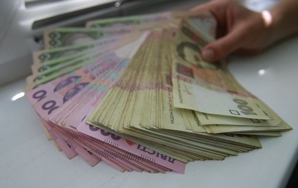 Зарплаты украинцев за год выросли на 21% - Госстат