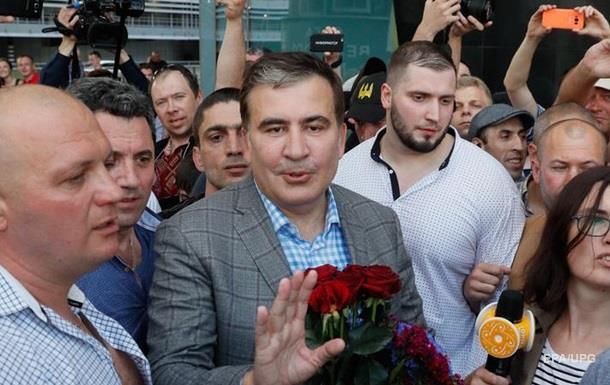 Где новые лица? Соцсети о возвращении Саакашвили