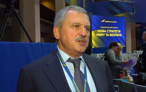 Сенченко стремится создать условия для победы Украины в этой войне