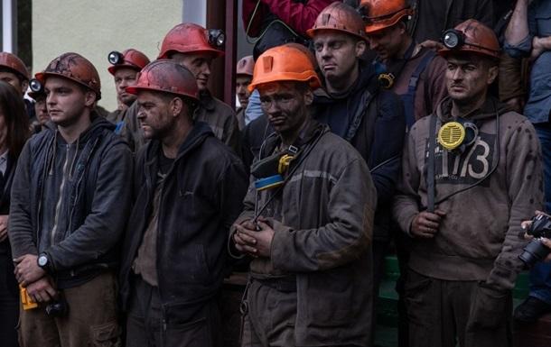 В Украине ежемесячно гибнет один шахтер