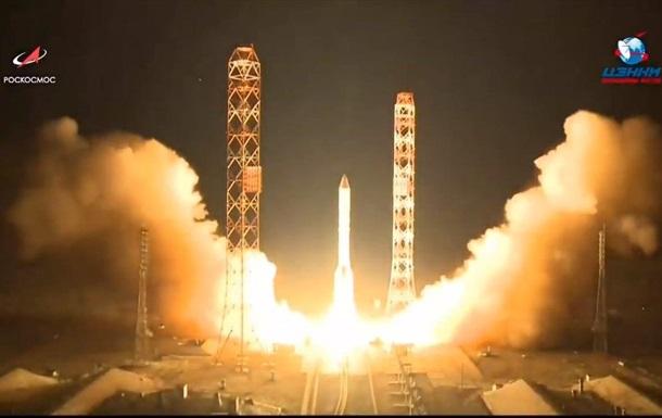 Россия запустила ракету Протон с самым мощным спутником связи
