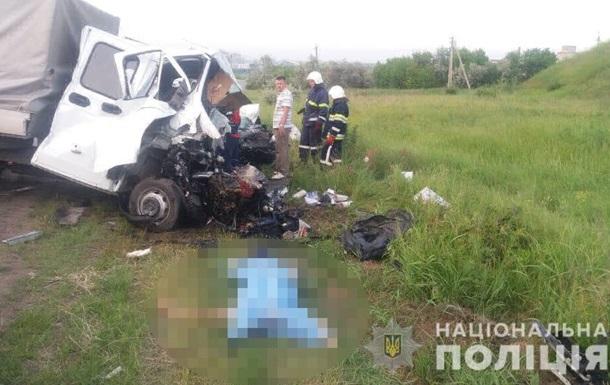 Під Одесою в ДТП загинули чотири людини