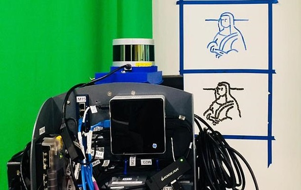 Робот з першої спроби відтворив Мону Лізу