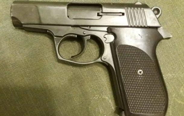 Под Днепром мальчик нашел пистолет и прострелил себе руку