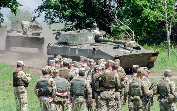 Сутки на Донбассе: 10 обстрелов, ранены два бойца