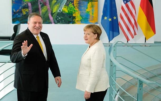 Меркель и Помпео обсудили Украину
