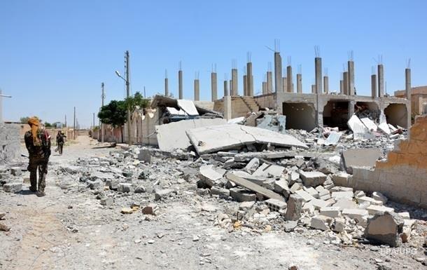 В сирийской Ракке возрвался автомобиль, погибли десять человек