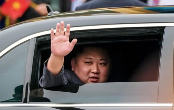 Ким Чен Ын вывел на публику репрессированного зама