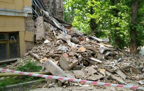 В Киеве произошел обвал в здании колледжа