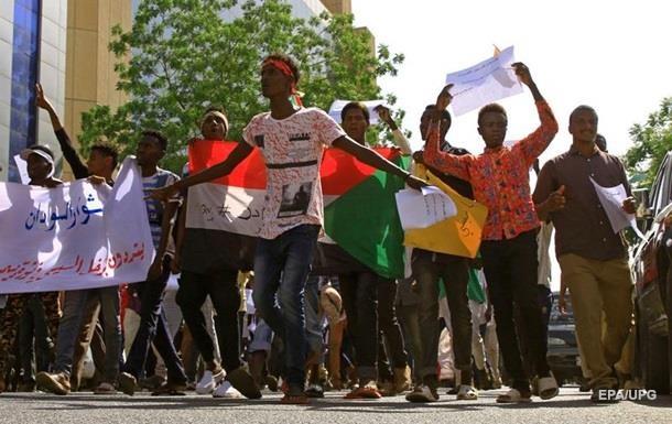 Жертвами разгона демонстрации вХартуме стали 60 человек— Суданская оппозиция