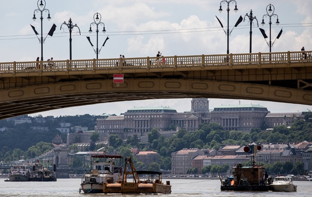 Зіткнення теплоходів у Будапешті: знайдено тіла загиблих