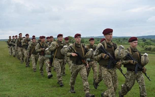 Украинские десантники участвуют в учениях на базе НАТО