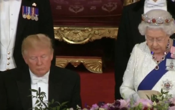 Трамп уснул во время речи Елизаветы II - СМИ