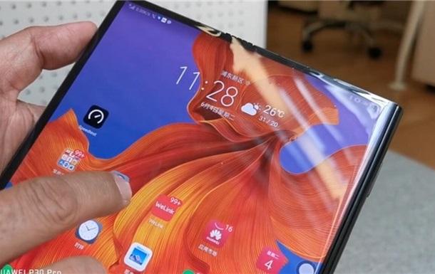Складаний флагман Huawei випробували на максимальній швидкості