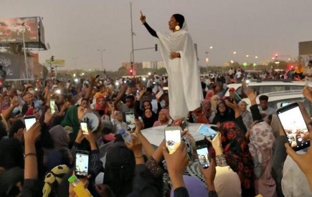 При разгоне палаточного городка в Судане погибли 60 человек