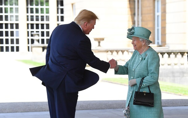 З конфузом і скандалом. Візит Трампа до Британії