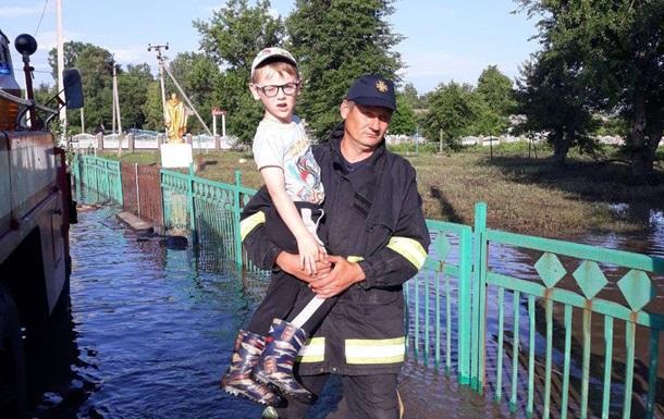 Сильные ливни подтопили часть населенных пунктов в Украине