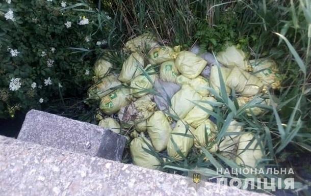 В Харьковской области нашли 150 мешков с мертвыми курами