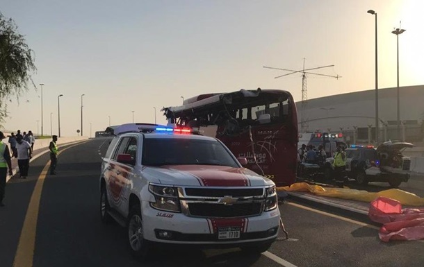 У Дубаї туристичний автобус потрапив в аварію: 15 жертв