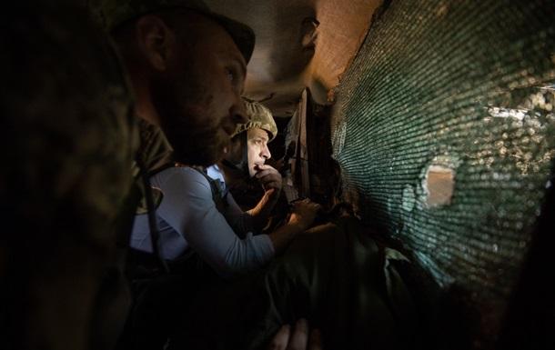Обострение на Донбассе. Вместо мира снова обстрелы