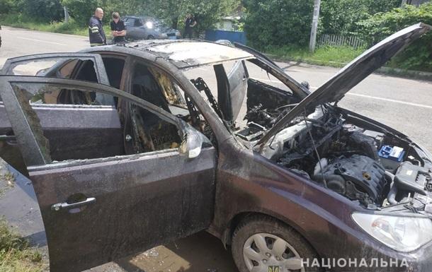 На Київщині вибухнуло авто з дитиною в салоні