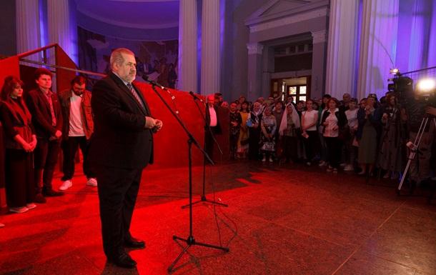 Крымские татары идут в Раду в составе шести партий