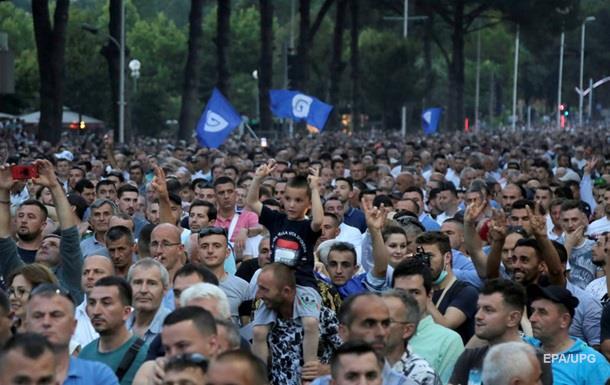 Президент Албанії скасував вибори