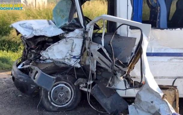 У Львівській області в ДТП постраждали 11 людей