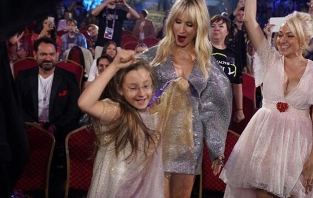 Українські зірки виступили на російській премії