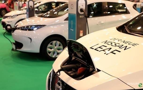 Попит на електромобілі в Україні продовжує зростати