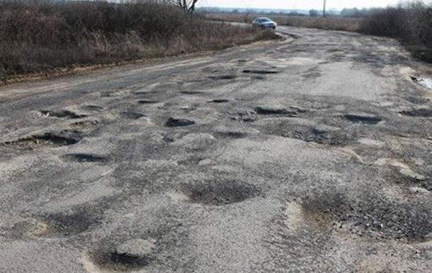Гройсман розповів, як міняє колеса через ями на дорогах