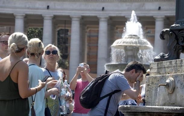 В Риме ввели новые правила и штрафы для туристов