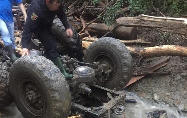 Трагедія на Закарпатті: лісорубів знесла п ятиметрова хвиля