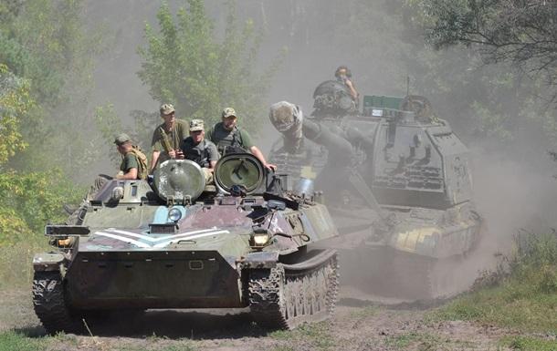 На Донбассе за день 12 обстрелов