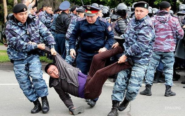 На акціях протесту в Казахстані затримали 250 осіб