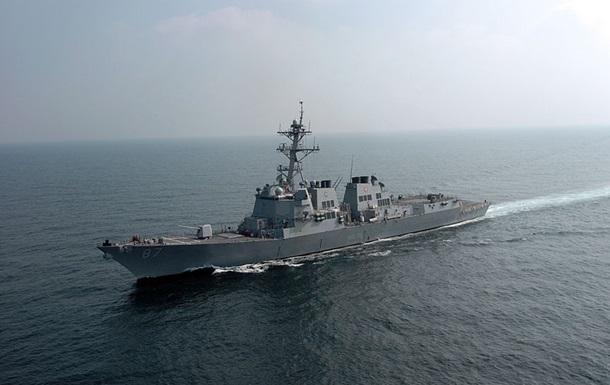 Атака в Оманській затоці: США направили есмінець