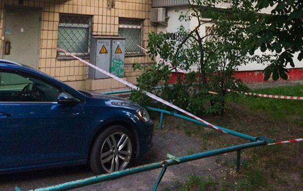 В Киеве ночью женщина выпала из окна 11 этажа